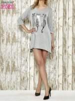 Szara sukienka damska z nadrukiem kotów                                  zdj.                                  2