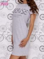 Szara sukienka dresowa z napisem BECAUSE                                  zdj.                                  3