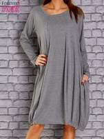 Szara sukienka oversize ze ściągaczem na dole                                  zdj.                                  1