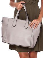 Szara torba shopper z ażurowaniem i odpinanym paskiem                                  zdj.                                  5
