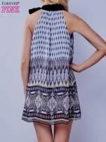 Szara wzorzysta sukienka wiązana na szyi na wstążkę                                  zdj.                                  4