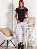 Szare spodnie dresowe z kontrastowymi wstawkami                                  zdj.                                  4