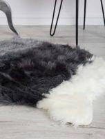Szaro-biały futrzany dywanik                                  zdj.                                  2