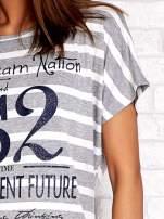 Szaro-biały t-shirt w paski z napisem DAYDREAM NATION                                                                          zdj.                                                                         5