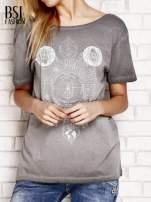 Szary dekatyzowany t-shirt z dekoltem na plecach                                  zdj.                                  1