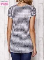 Szary fakturowany t-shirt w paski                                  zdj.                                  2