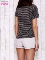 Szary melanżowy t-shirt w paski z troczkami                                  zdj.                                  5