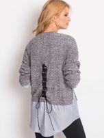 Szary sweter melange z koszulą                                  zdj.                                  2