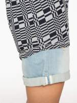 Szary t-shirt z geometrycznym nadrukiem                                  zdj.                                  9