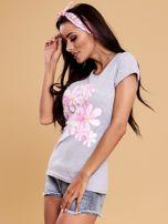 Szary t-shirt z kolorowym kwiatowym nadrukiem                                  zdj.                                  3