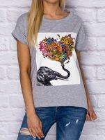 Szary t-shirt z malarskim nadrukiem                                  zdj.                                  1