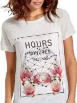 Szary t-shirt z napisem HOURS MINUTES SECONDS z dżetami