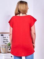 T-shirt czerwony z truskawką PLUS SIZE                                  zdj.                                  2