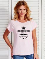 T-shirt damski KSIĘŻNICZKI RODZĄ SIĘ W LISTOPADZIE jasnoróżowy                                  zdj.                                  1