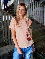 T-shirt damski brzoskwiniowy z naszywkami FLOWERS                                  zdj.                                  1