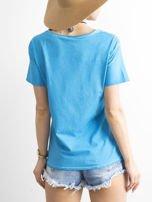 T-shirt damski z kolorowymi pomponikami niebieski                                  zdj.                                  2