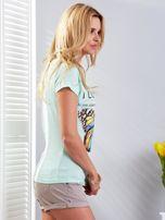 T-shirt miętowy z motylem                                  zdj.                                  2