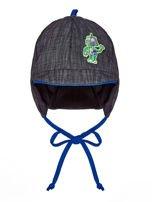 Wiązana czapka chłopięca z naszywką robota i daszkiem szaro-kobaltowa                                  zdj.                                  1