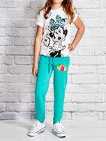 Zielone spodnie dresowe dla dziewczynki z bajkowym motywem                                  zdj.                                  4