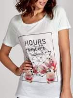 Zielony t-shirt z napisem HOURS MINUTES SECONDS z dżetami                                                                          zdj.                                                                         6