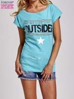 Zielony t-shirt z napisem OUTSIDER                                  zdj.                                  1