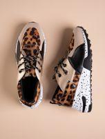 Złote buty sportowe z lakierowaną wstawką w tygrysim printem                                  zdj.                                  1