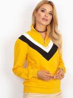 Żółta bluza dresowa z trójkątną aplikacją                                  zdj.                                  4