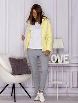 Żółta pikowana kurtka przejściowa z ozdobnymi suwakami                                  zdj.                                  7