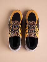 Żółte buty sportowe z wstawką w wężowy print                                  zdj.                                  2