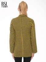 Żółty płaszcz ze skośnym suwakiem we wzór w pepitkę                                  zdj.                                  4