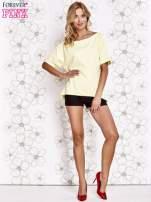 Żółty t-shirt z dekoltem w łódkę                                  zdj.                                  2