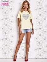 Żółty t-shirt z napisem JE T'AIME i dekoltem na plecach                                  zdj.                                  2
