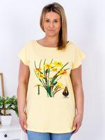 Żółty t-shirt z żonkilami PLUS SIZE                                  zdj.                                  1